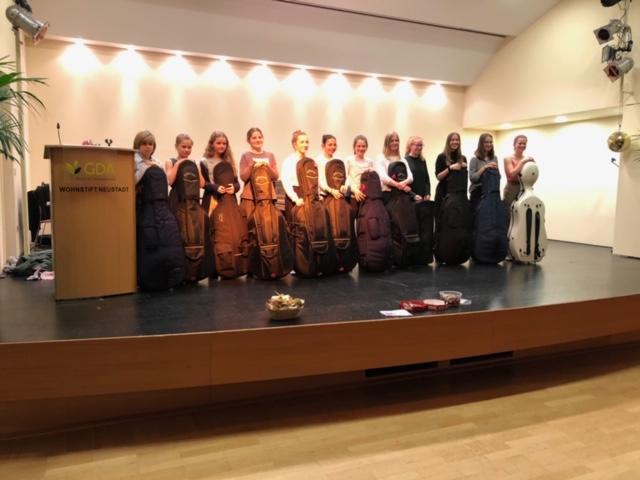 Schülervorspiel der Celloklasse Charlotte Lettenbauer im Festsaal GDA-Wohnstift/ NW